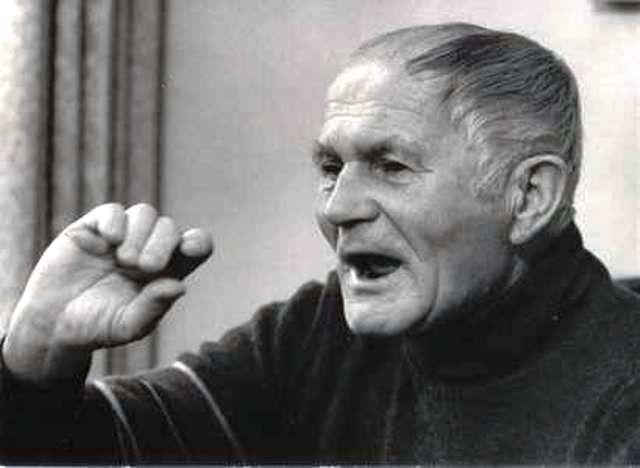Bohumil Hrabal a sebekritika v Tvorbě 1975