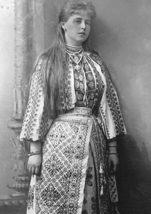 teatimeatwinterpalace:  Crown Princess Marie of Romania; dressed in an traditional romanian costume