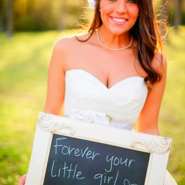 What a beautiful idea...especially if your wedding coincides with Fathers Day.Little Girls, Photos Ideas, Wedding Gift, Wedding Day, Cute Ideas, Daddys Little Girl, Wedding Photos, The Brides, Daddy Girls