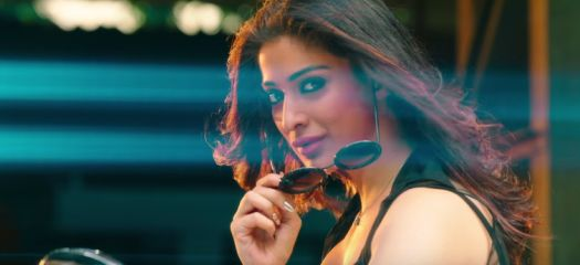 Raai Laxmi is seen in a bold and a sensuous avatar in Julie 2 title track!