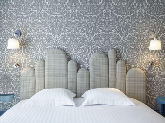 une t te de lit design grand h tel du midi montpellier escalier d coration classique chic. Black Bedroom Furniture Sets. Home Design Ideas