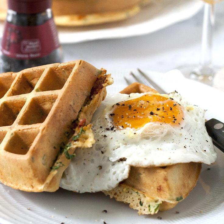 Ontbijt hoeft niet altijd uit boterhammen of cornflakes te bestaan, wat dacht je van deze ontbijtwafels? Hierna kan je tegen een stootje!
