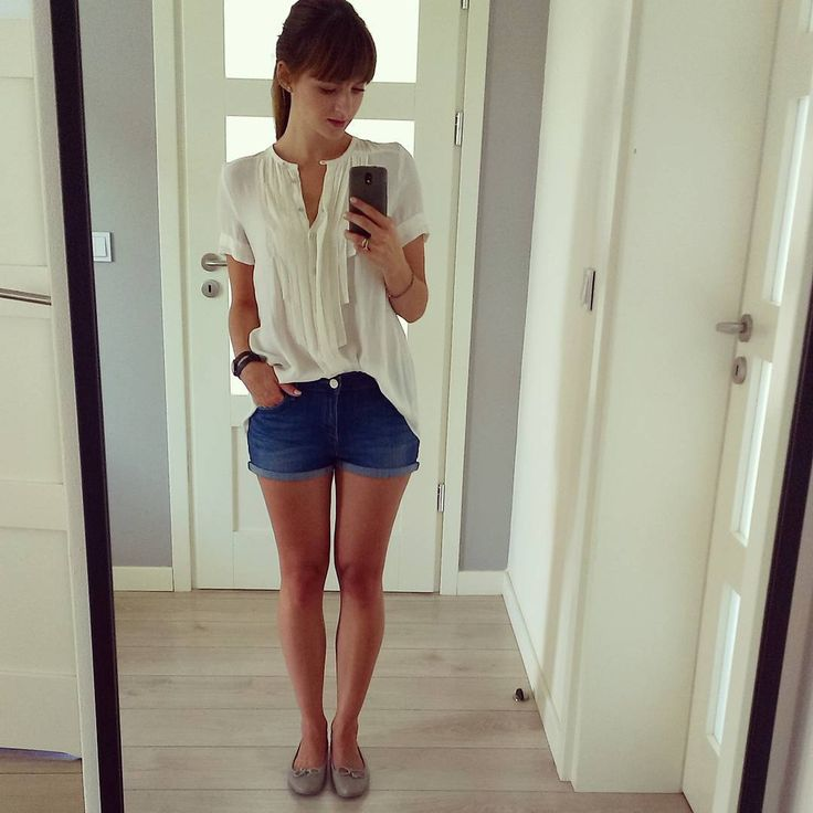 Zwiewna bluzka i jeansowe szorty. Mój ulubiony letni zestaw :-) #perfectsummeroutfit #summer #lato #strojdnia #florencebeauty #bluzka #zara #szorty #Lee #balerinki #venezia #ootd #shorts #jeans