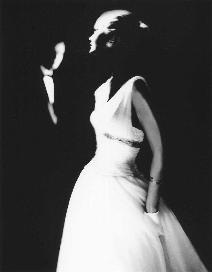 Créée en 1989, la galerie Peter Fetterman s'est consacrée à développer le goût pour la photographie et sa reconnaissance comme un des beaux-arts. Spécialisée dans la photographie humaniste, de mode et de reportage, la galerie a constitué l'une des plus importantes collections américaines des grands classiques de la photographie. Elle expose aussi régulièrement les travaux des artistes renommés du XXème siècle et d'aujourd'hui.