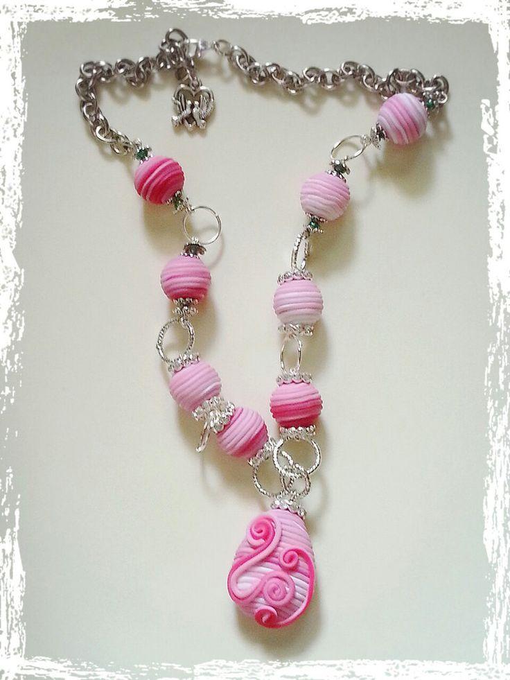 collana rosa confetto in fimo, by Braccialetti e Scintille, 20,00 € su misshobby.com