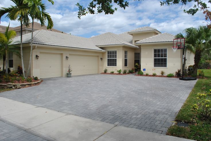Beautiful 5 3 With 3 Car Garage In Parkland Isles
