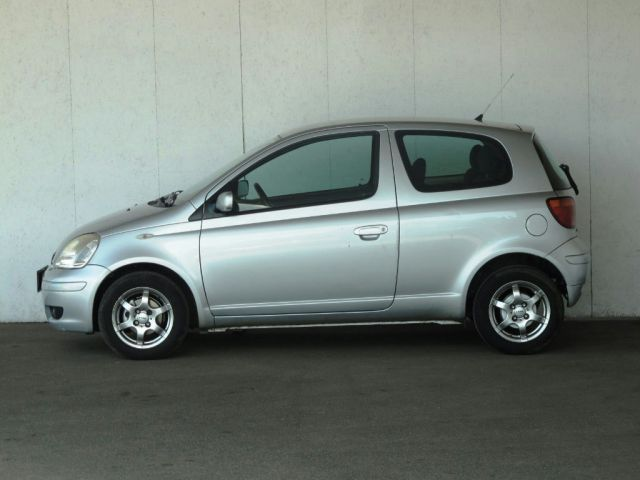 Toyota Yaris  (2005, 1.4 D-4D)