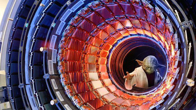 物理学史上最大の発見に成功か?ヒッグス粒子、またの名を「神の粒子」。物理学の標準理論の基礎を担う粒子の中で、唯一存在が確認されていない粒子で...