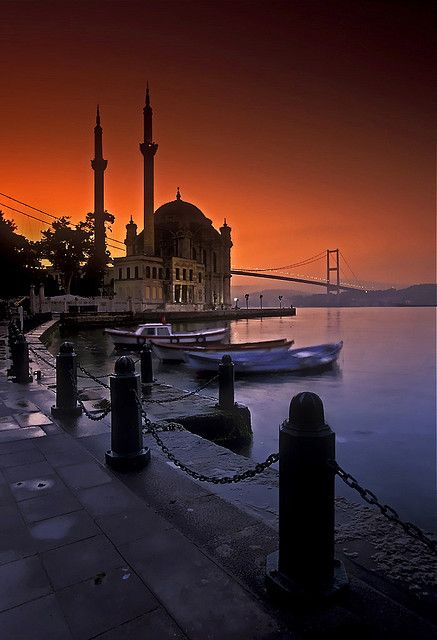 ORTAKOY MOSQUE : was built by (Armenian Architect) Nigogos BALYAN. in Baroque-style for Sultan Abdulmecit, between 1854-1855, in Istanbul. Nigogos new desing was tried in This Mosque and Dolmabahce Mosque.