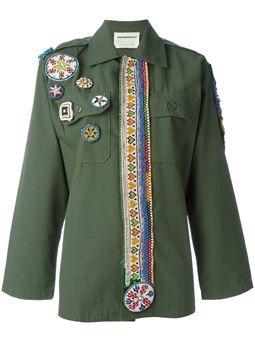 куртка в стиле милитари с нашивками