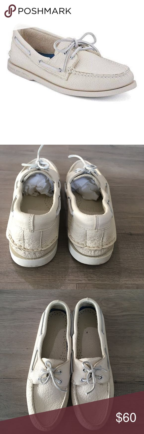 SPERRY ~ men's white top sided original boat shoe SPERRY ~   SPERRY brand  Top sider  Original boat shoe  Men's boat shoes  Men's loafer  White boat shoe  Genuine leather  New without box  Size 10.5  Non marking soles Sperry Top-Sider Shoes Boat Shoes