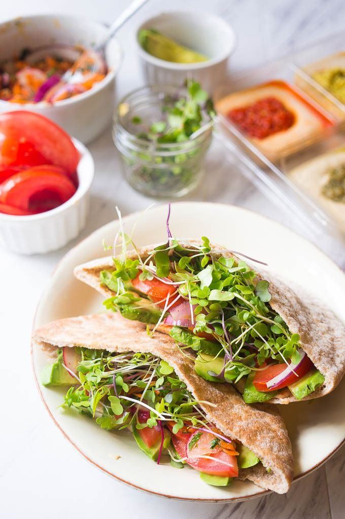In love with this healthy veggie pita with hummus! It makes the perfect lunch.