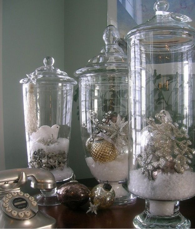 Christmas table decor maybe with shorter glass bowls