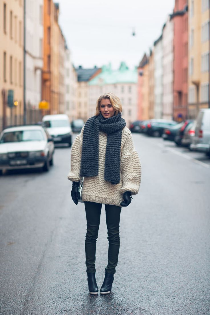 How to Style a Chunky Knit Sweater - cream chunky sweater + chunky knit scarf with skinny jeans + black ankle boots | StyleCaster