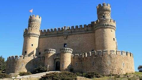 Castillo de Mendoza en manzanares del Real