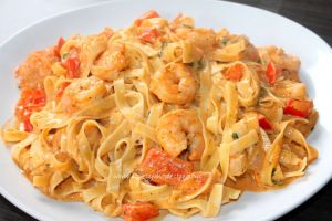 Recept: tagliatelli met scampi diabolique! - http://www.mytaste.be/r/recept-tagliatelli-met-scampi-diabolique-17343053.html