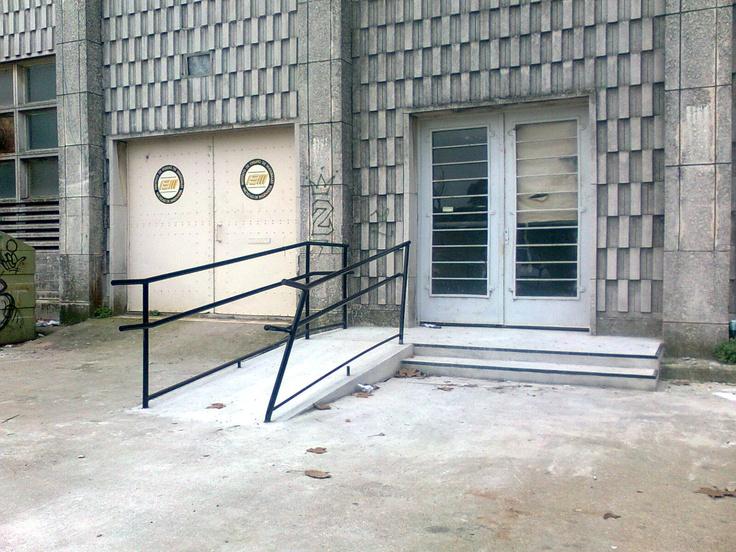 Facultad de Ingeniería | Montevideo.uy  Alternativa de acceso Sur  Estado: Construido y chocado.   Fecha: 2012-05-28