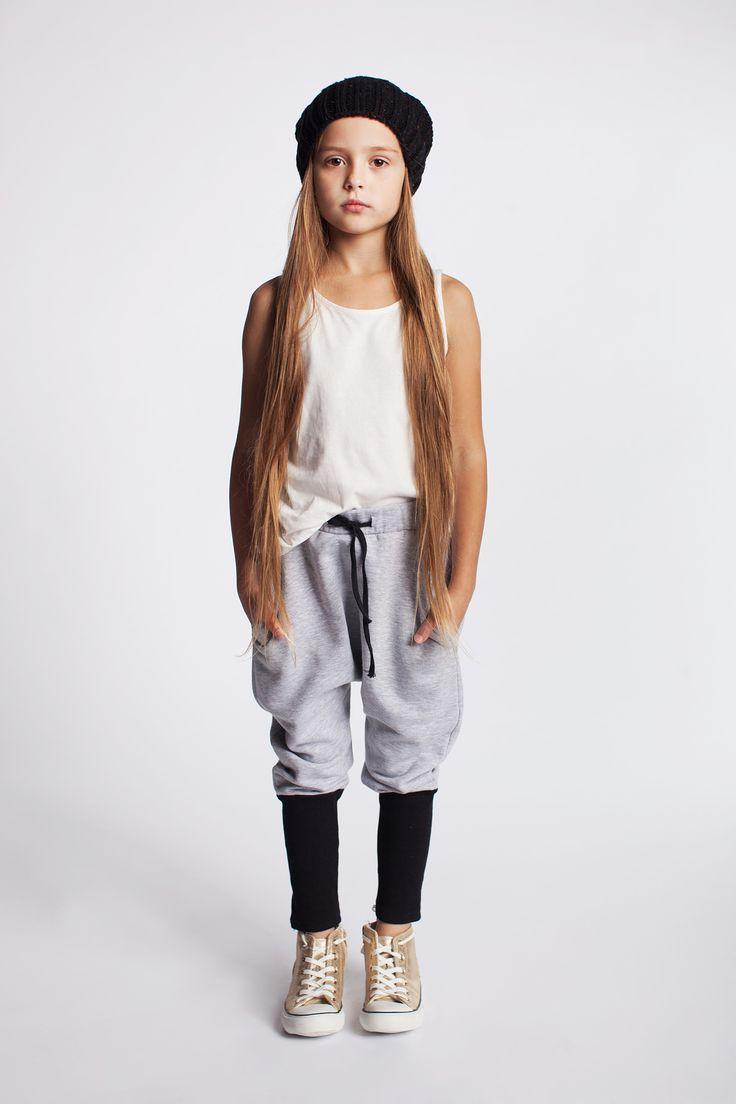Bawełniane spodnie dresowe https://kids.showroom.pl/dziecko/49452,dodo-spodnie-dsp07