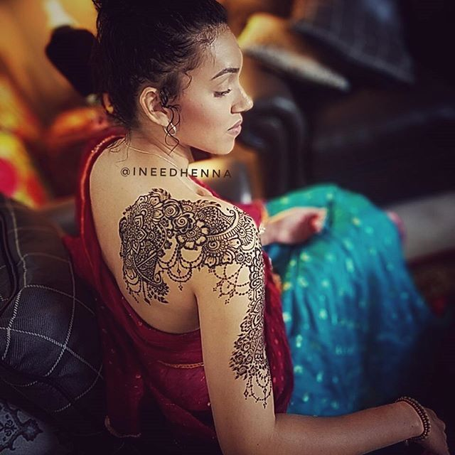 I have been working for the past 2 days with this gorgeous girl  doing henna and a photo shoot with the talented Susan from @hidden_treasures_photography!! I can't wait for the professional photos to be done but in the mean time here is a behind the scenes picture I took of the henna art!! #henna #mehndi #7enna #mehendi #mehandi #heena #michigan #model #photo #detroit #photography #beauty