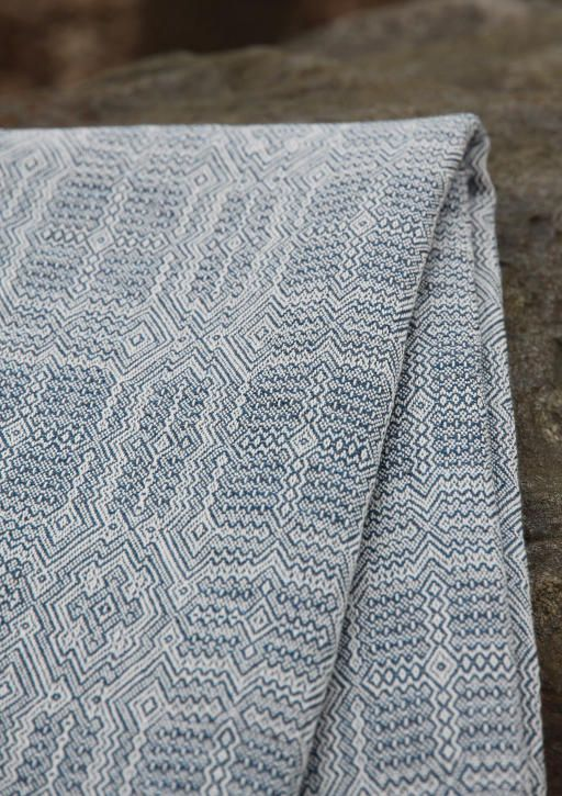 Kide Naava 40% organic cotton 30% linen 30% merino wool. #vanamo #vanamowrap #vanamokide