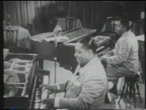 Albert Ammons and Pete Johnson 1944 - YouTube