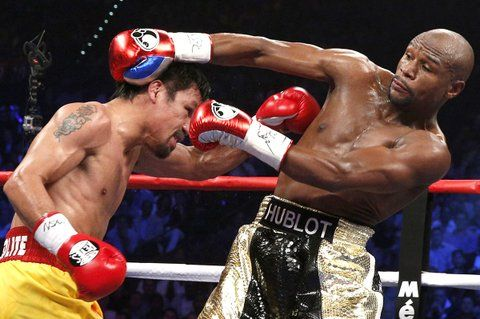 VIDEO: Floyd Mayweather slaps Manny Pacquiao's dummy