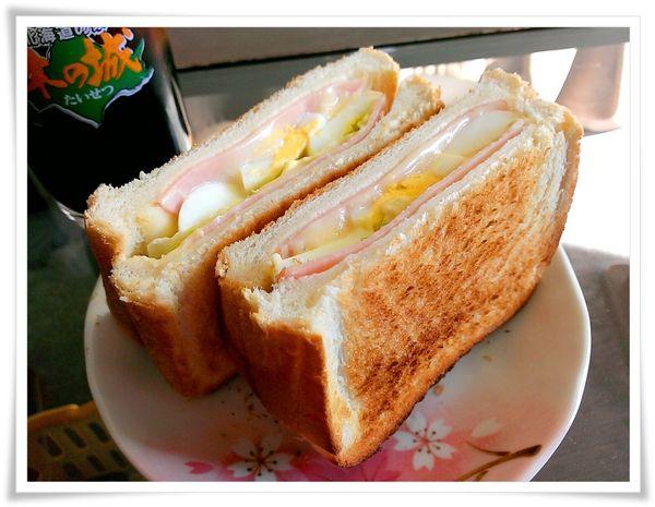 Hideの「何をゆう~、早見優~」 ◆釧路食遊記◆:朝食→ハムチーズ玉子のホットサンド 夕食→ラ王エビみそラーメン