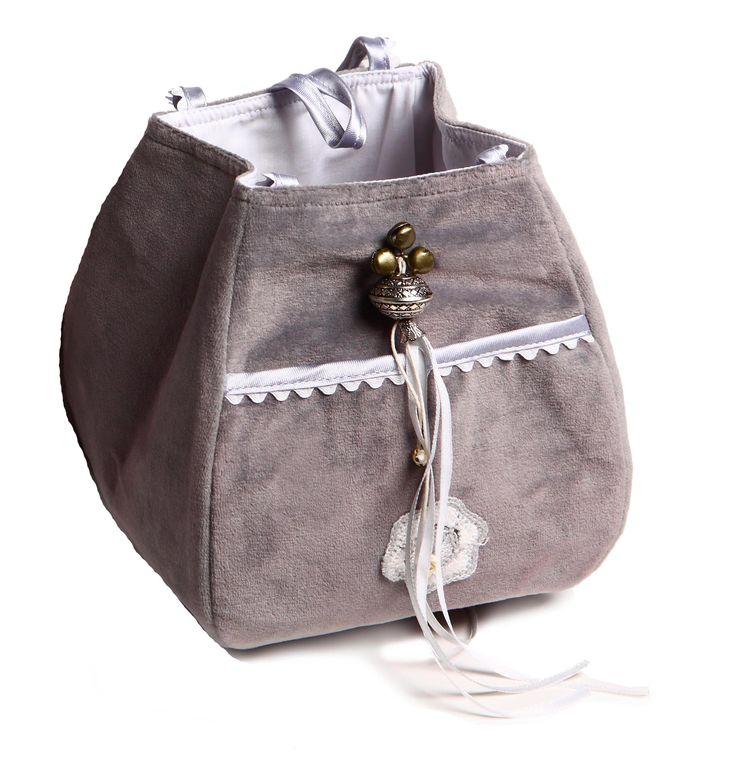 little storage bag /opbergtasje  #fabs world #storagebag # silvergrey #opbergtasje #decoratie #velours #inspirations #nursery #babyroom  shop:FabsStore.com
