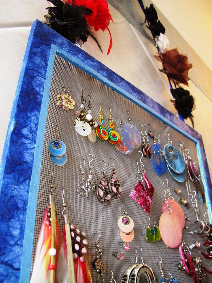http://angololiana.blogspot.it/2015/04/porta-orecchini-fai-da-te.html