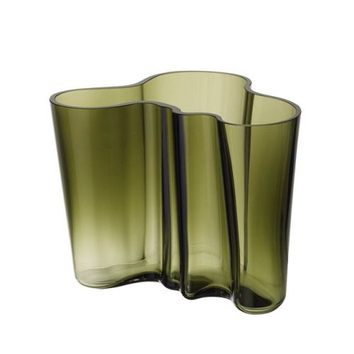 soudasouda:  iittalaofficial: Special edition of #AlvarAalto vase in moss green to honour the exhibition »Alvar Aalto – Second Nature« by Vitra Design Museum and Alvar Aalto Museum.