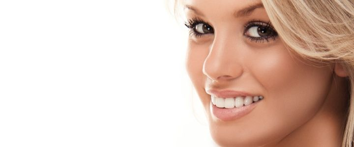 hink Bizzle and Smile is a best company to providing a Best Teeth Whitening Products using similar formula based on dental professionals all over the world. Our company gives a guarantee to whitens the teeth within a week.