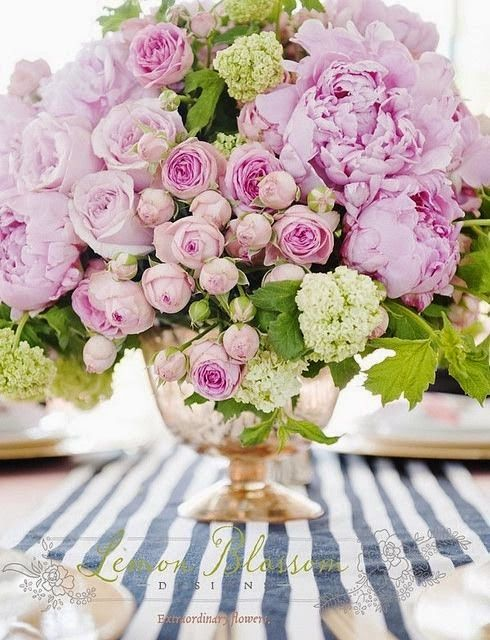 Loving this color combo and mix of peonies with ro...