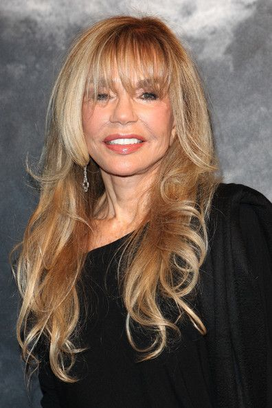 Dyan Cannon 76 omg too much PS . Don't even recognize her