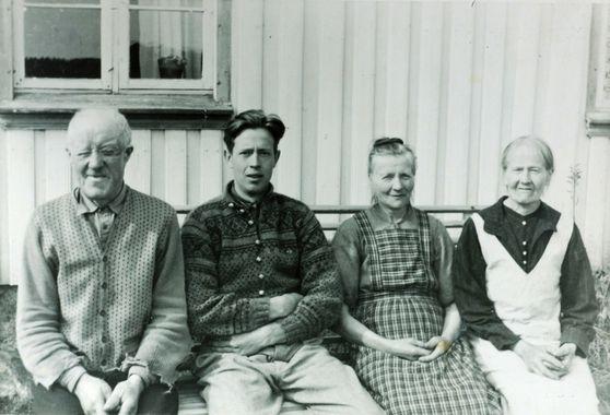 Digitalt Museum - Familiebilde Høyland Tjomeland. Grindheim Audnedal.