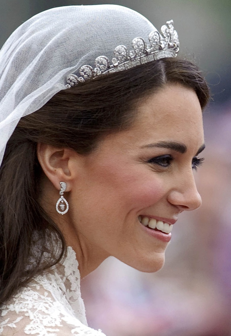 Kate Middleton Inspired Wedding Earrings Stunning Crystal Here They Are Royal By