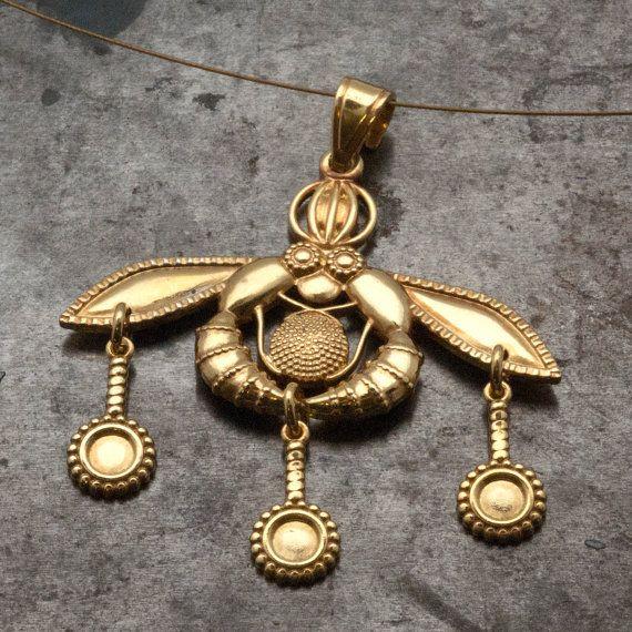 Gold Greek Necklace Bees Pendant Ancient Minoan by GreekMythos