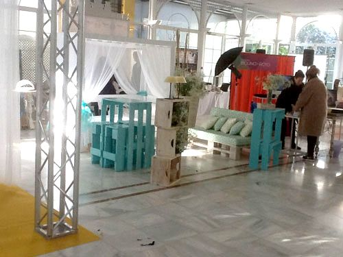 53 best images about dise o de stands con pallets on for Muebles de diseno