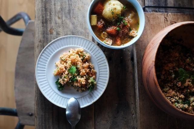 低炭水化物の新たなスター「カリフラワーライス」!アメリカで大ブームの後、最近日本のメディアやレシピサイトでも大人気の、糖質制限ダイエット向け食材です。