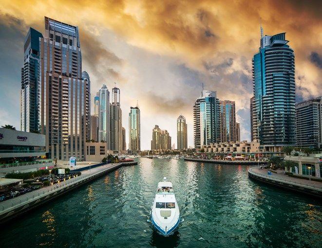 Viajar a Dubái te permitirá disfrutar de una ciudad moderna, animada, cambiante y espectacular.