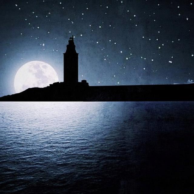 La Torre de Hércules de La Coruña in the #Night - #Galicia