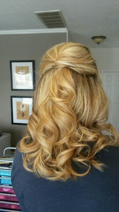 long hair styles down 1000 ideas about half up curls on half up 8496 | def8208762a3ccf3823071797c0e5ac5
