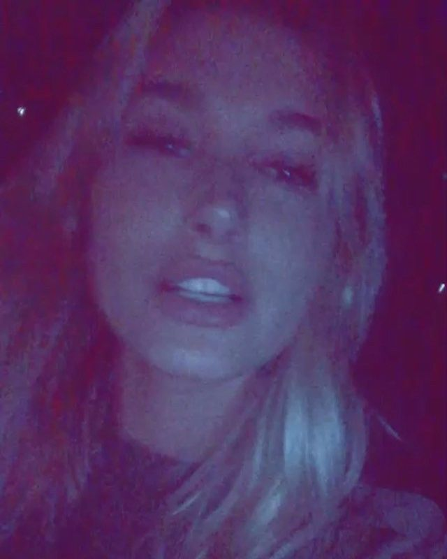 Another one of @haileybaldwin with @kendalljenner #kendalljennersnapchat #haileybaldwinsnapchat    haileybisboring