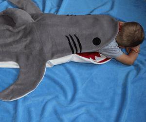 Au secours ! Un requin veux manger mon fils! :)