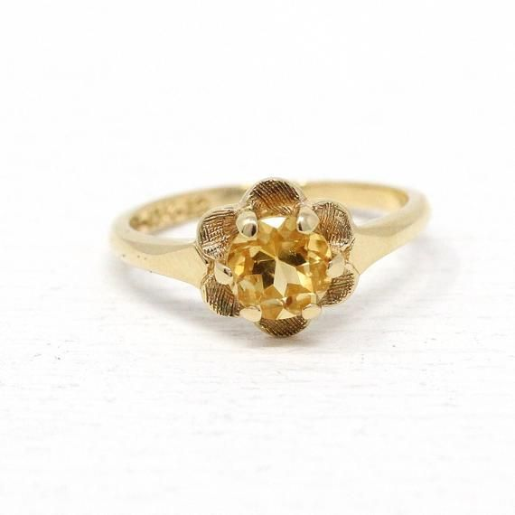 Beautiful Vintage 1950s Mid Century Era 10k Gold Genuine Citrine Ring This Pretty Solitaire Style Ring Features A Gorgeou Citrine Ring Genuine Citrine Citrine