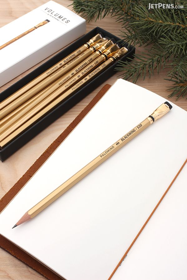 Eye-catching Palomino Blackwing Vol. 530 Pencils are inspired by the California Gold Rush. Each pencil contains dark, firm graphite for writing and sketching.