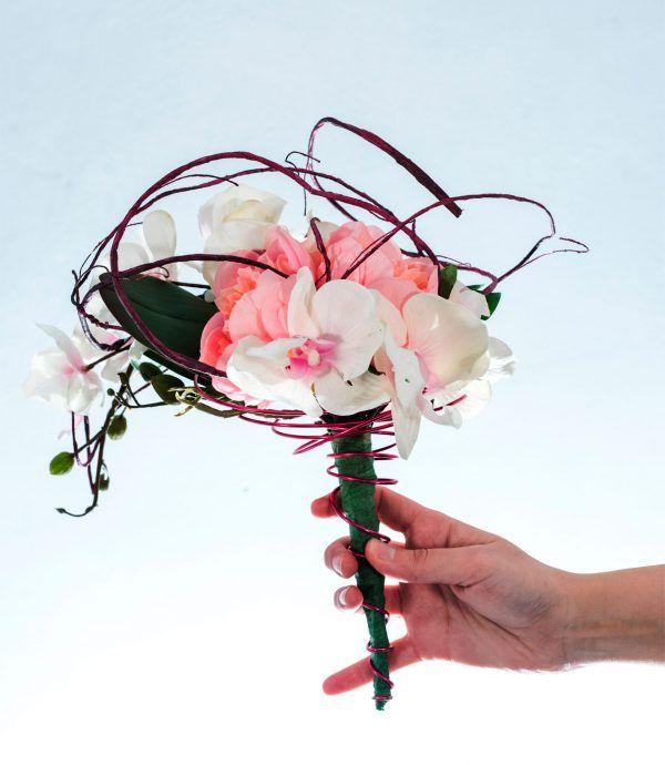 Bouquet James #bouquet #james #radicediorchidea #orchideebianche #orchidea #orchidee #peonie #rosa  #filogommatoanimato #bordeaux #filodialluminio #amaranto #sposa #bride #matrimonio #wedding #fioriartificiali #naturaltouch #floraldesign  #lafleuriste #lafleuristechic