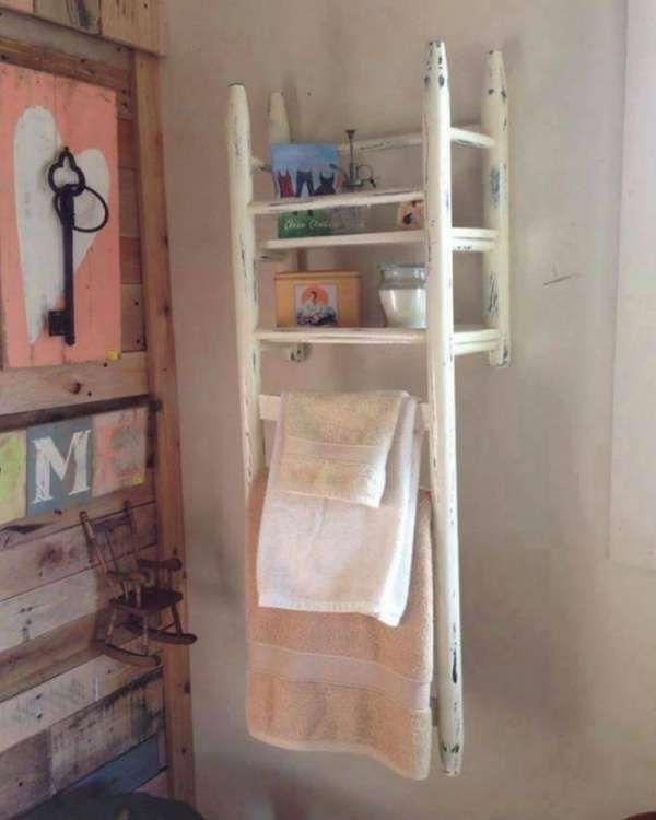 Rangement de salle de bain avec une vieille chaise de récup. 12 Idées créatives à faire avec de vieilles chaises