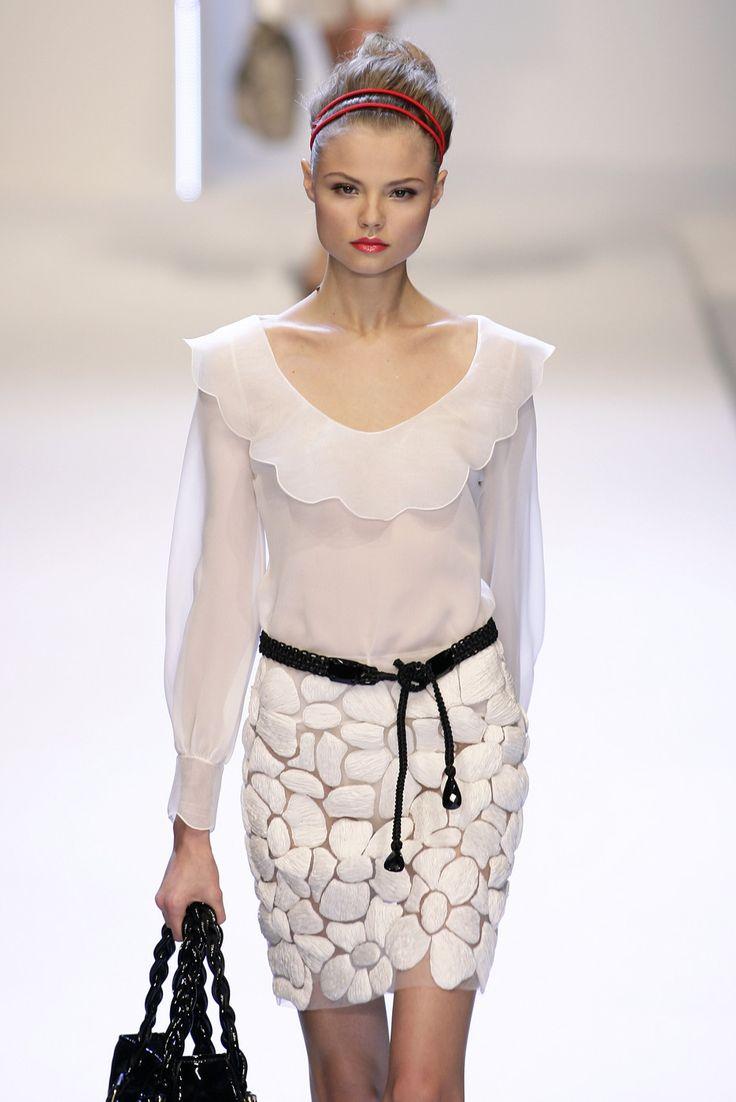 Valentino Spring 2007: Favorite Style, Paris Fashion, Paris Spring, Valentino Spring, White Fashion, Style Inspiration, Spring 2007, Beautiful Style, Couture Fashion