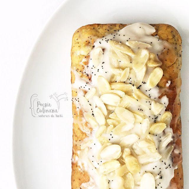 Paladares {Sabores de nati }: Panqué de limón, almendras y semillas de amapola. #almondcake #poppyseeds #limón #lemoncake #panqué #pasteldelimon #panque #almendras #semillasdeamapola #lima #sourcream #cremaagria #yogurnatural