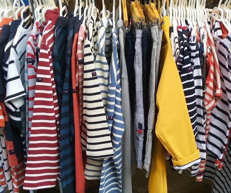 Camisetas pantalones y chubasqueros de batela en